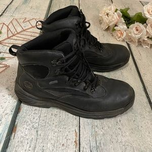 Mens Timberland 10M boots black outdoor leather
